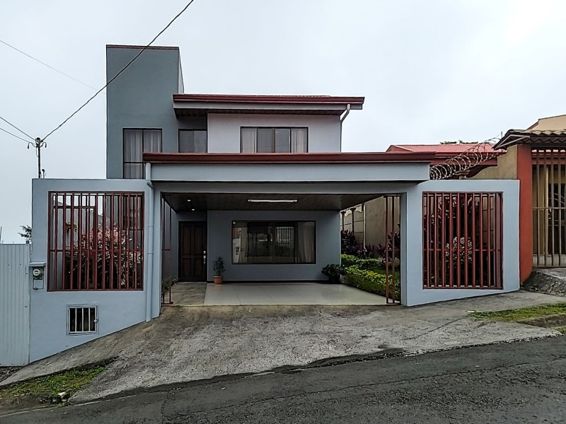 Remax real estate, Costa Rica, San Ramon, Central house located in San Ramón