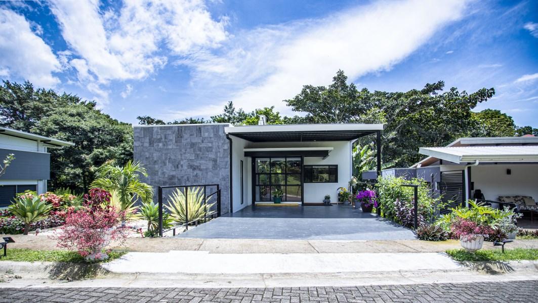 Remax real estate, Costa Rica, Naranjo, House for sale in condominium in Naranjo