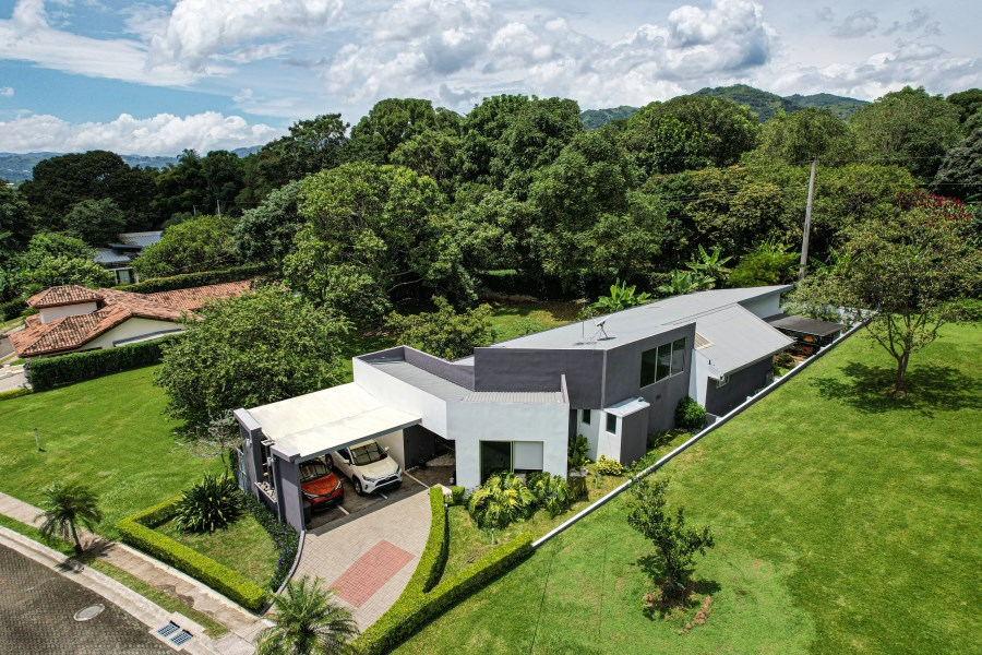 Remax real estate, Costa Rica, Naranjo, House for sale in gated community
