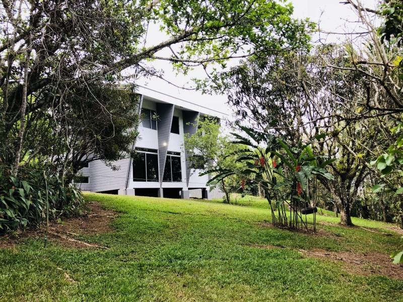 Remax real estate, Costa Rica, Cartago - Paraíso, Beautiful house in big lot