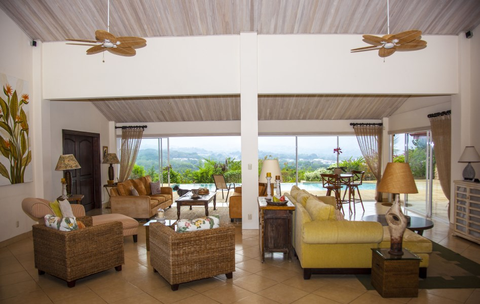 Remax real estate, Costa Rica, Atenas, TROPICAL CHIC DESIGNER HOME WITH FABULOUS LANDSCAPING AND SPECTACULAR VIEWS
