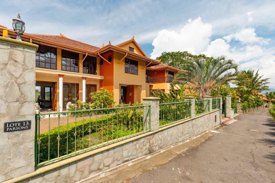 Remax real estate, Costa Rica, Atenas, Elegant ridge top home with soaring views and Balinese design