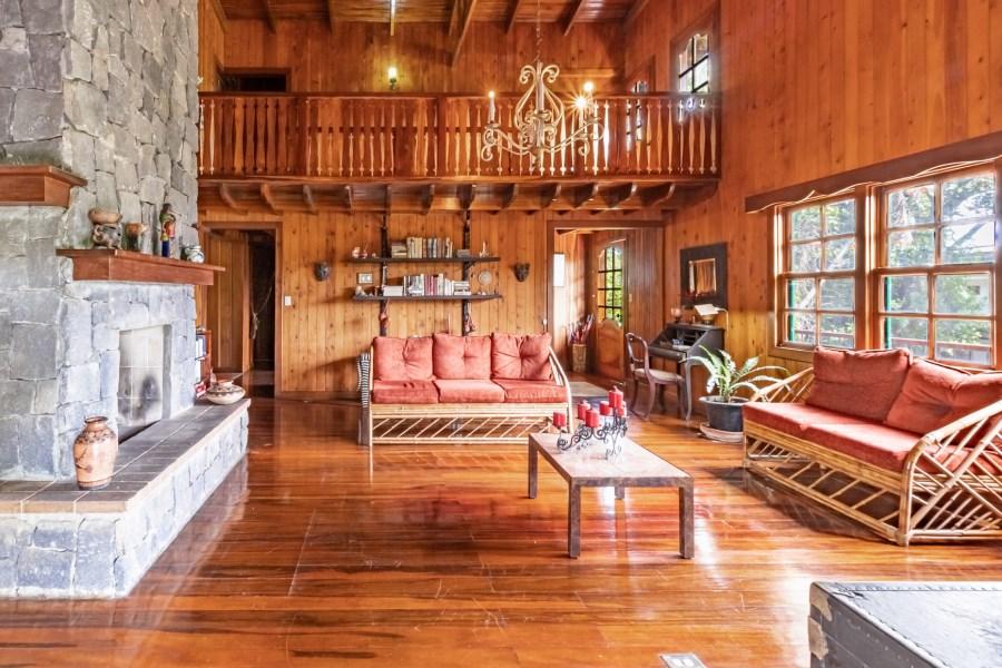 RE/MAX real estate, Costa Rica, Escazú, Villa Escazu & Gardens