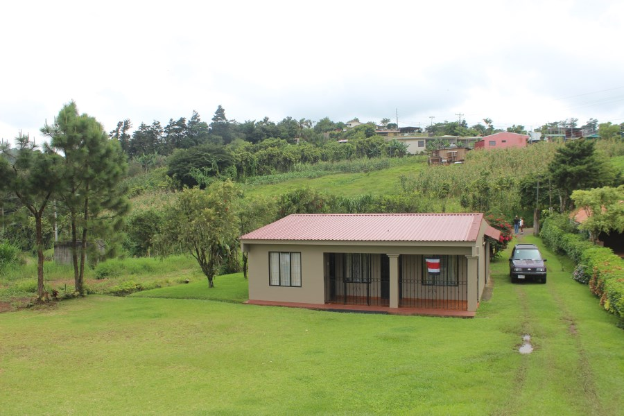 Remax real estate, Costa Rica, San Ramón-Ángeles, House in the field