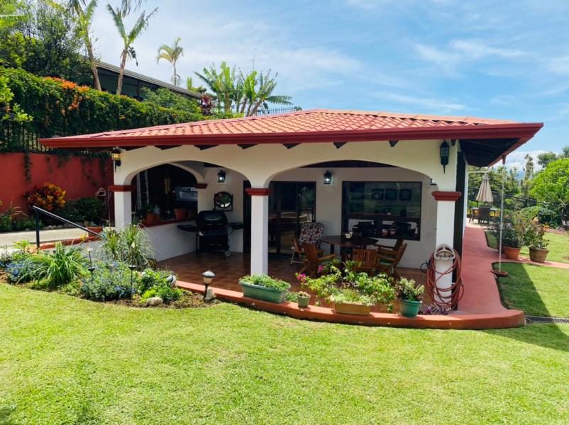 Remax real estate, Costa Rica, Grecia,  Single Level Home With A View San Isidro Of Grecia