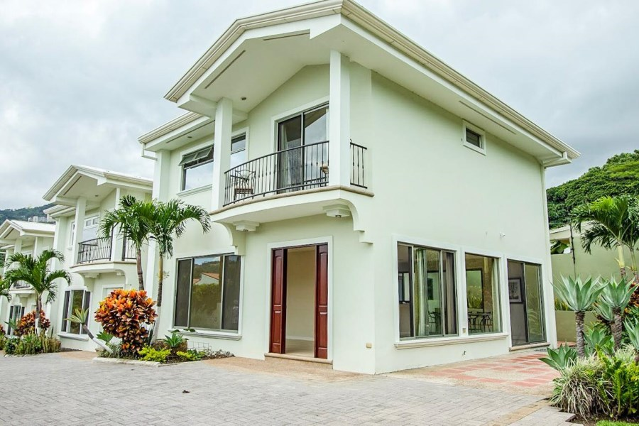 Remax real estate, Costa Rica, Santa Ana, Lajas Condominium house For Sale.