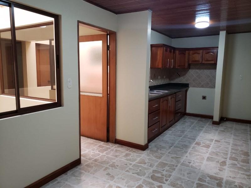 Remax real estate, Costa Rica, San Jose, Se alquila apartamento en Pavas. Rohrmoser.
