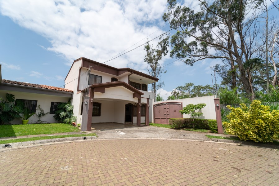 Remax real estate, Costa Rica, Flores - San Joaquín de Flores, Beautiful family home for rent in Heredia