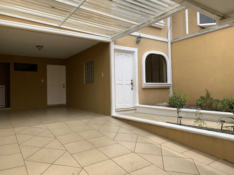 Remax real estate, Costa Rica, Belén, Casa Cariari -Residencial los Arcos - 4 Bedroom