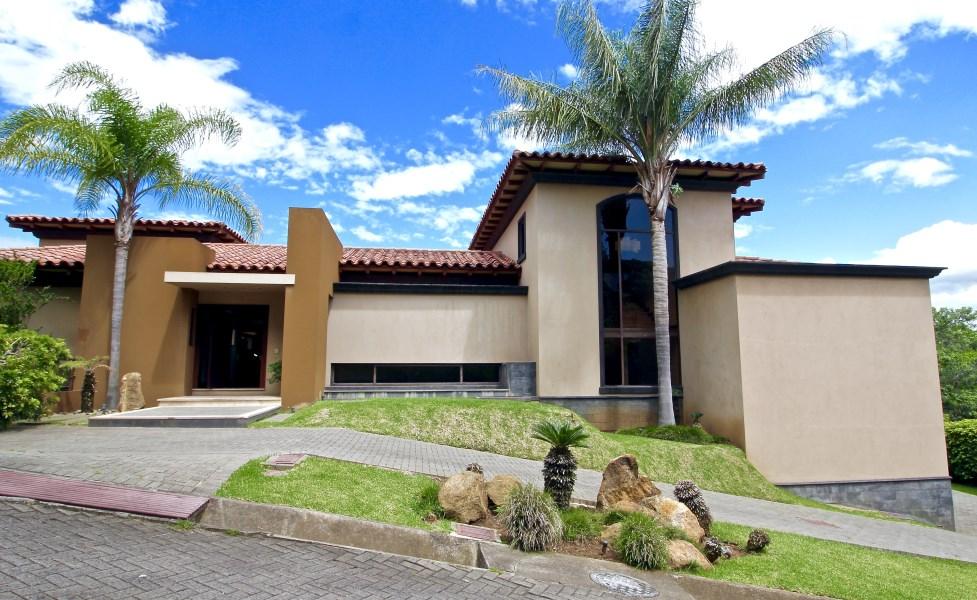 Remax real estate, Costa Rica, Santa Ana, Casa Three Gardens