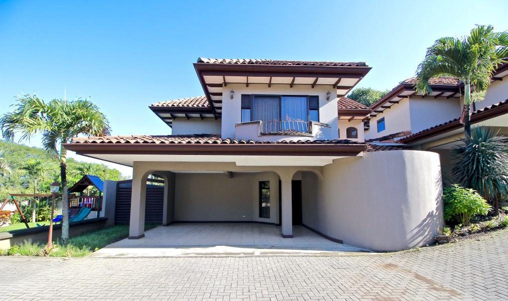 Remax real estate, Costa Rica, Escazú, Morocco Palm