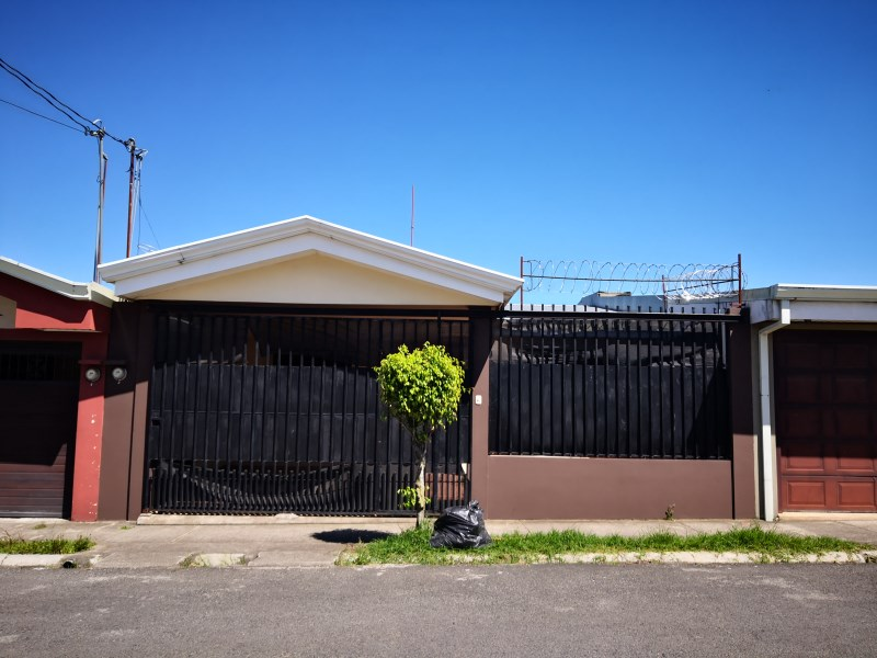 Remax real estate, Costa Rica, Cartago, Cozy  House For Sale