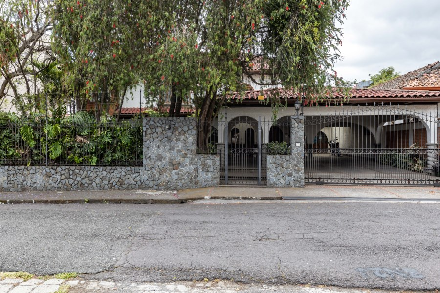 Remax real estate, Costa Rica, Goicoechea, STUNNING AND COMFORTABLE, FOR RENT