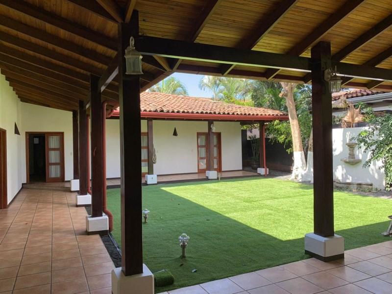 Remax real estate, Costa Rica, Santa Ana - Piedades de Santa Ana, CASA ANTIGUA -COLONIAL IN CONDOMINIUM PIEDADES DE SANTA ANA CON LINEA BLANCA