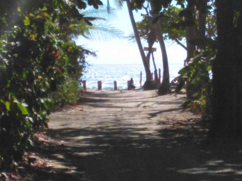 Remax real estate, Costa Rica, Santa Teresa, Small Beach Lot