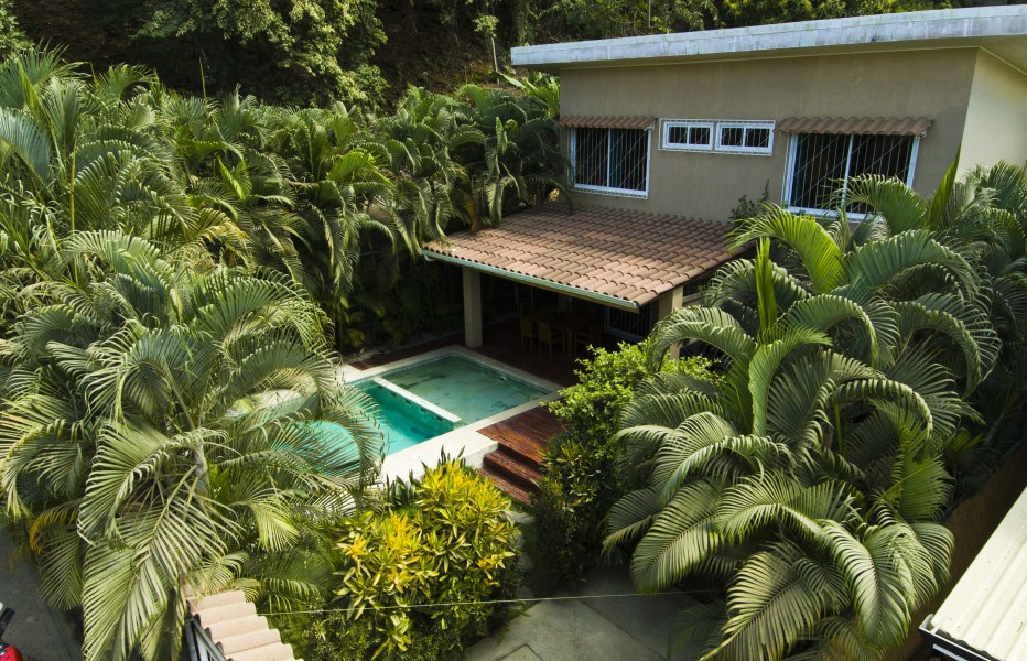 Remax real estate, Costa Rica, Santa Teresa, Centrally Located 2 Bedroom Home
