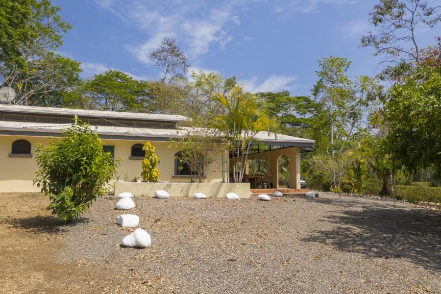 Remax real estate, Costa Rica, San Isidro, San Isidro Home & Additional Land