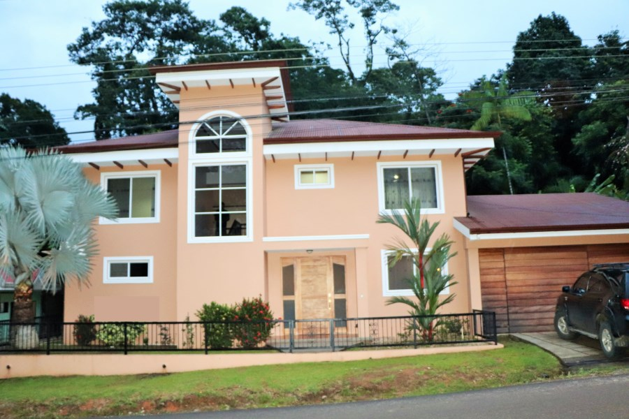 Remax real estate, Costa Rica, Uvita, Easy Access, Walk to Everything! Three Bedroom Family Home.