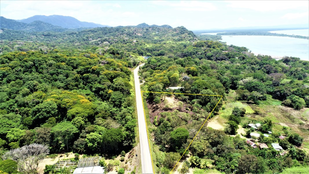Remax real estate, Costa Rica, Ojochal, PRIME COMMERCIAL LOTS WITH HIGHWAY FRONTAGE, OCEAN AND SUNSET VIEWS!