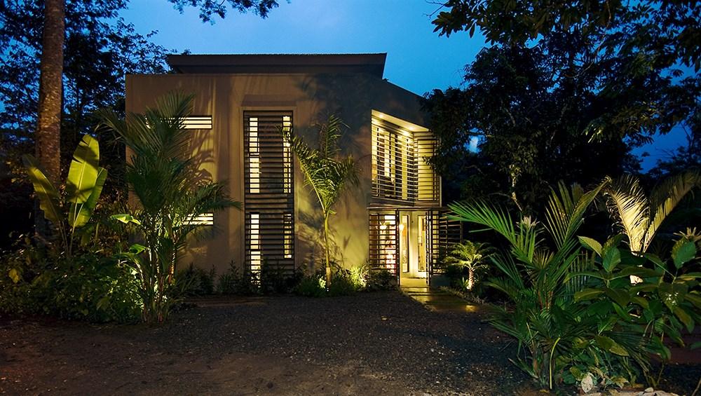 Remax real estate, Costa Rica, Manuel Antonio, CASA DE AGUA