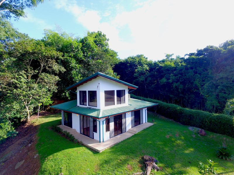 Remax real estate, Costa Rica, Laguna, EASY ACCESS MOUNTAIN HOME WITH PARTIAL OCEAN VIEW - LESS THAN 10 MINS TO DOMINICAL BEACH - 0.8 ACRES