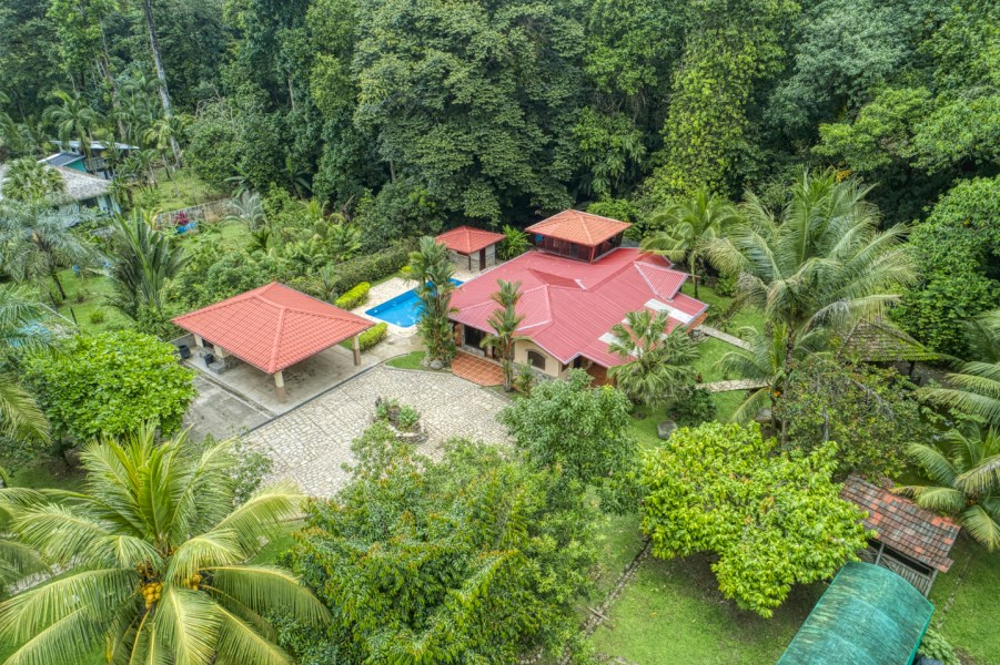 Remax real estate, Costa Rica, Ojochal, Ojochal Rustic 3 Bedroom 3 Bath Home with Pool, Fish Pond and Greenhouse