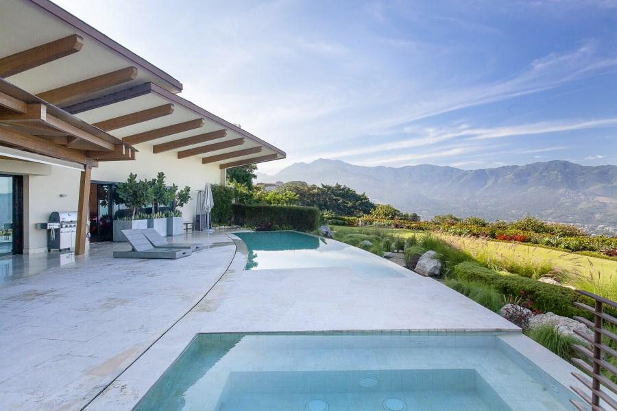 Remax real estate, Costa Rica, Santa Ana, Villa Real Shangri La