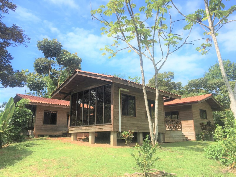 Remax real estate, Costa Rica, Ojochal, Beautiful 3-bedroom 3-bathroom home on a huge lot with rain forest, river views and a greenhouse!