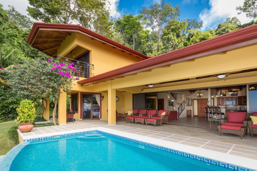 Remax real estate, Costa Rica, Ojochal, VILLA DE SUEÑOS – IMMACULATE LUXURY HOME OVERLOOKING THE FAMOUS WHALE'S TAIL - 1.34 ACRES