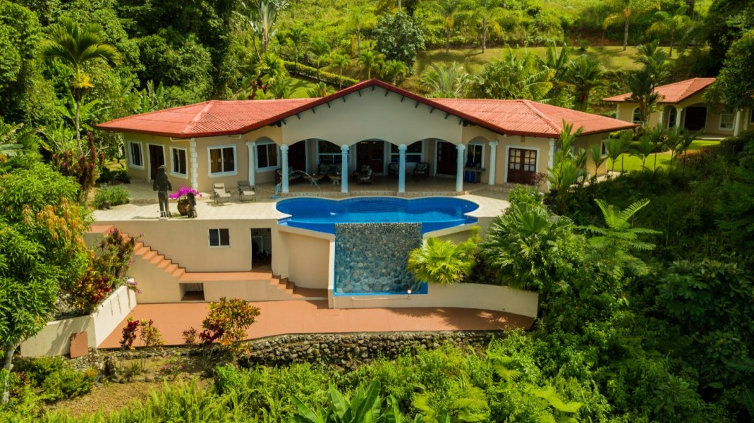 Remax real estate, Costa Rica, Ojochal, Ideal Vacation Property For Sale In Costa Rica