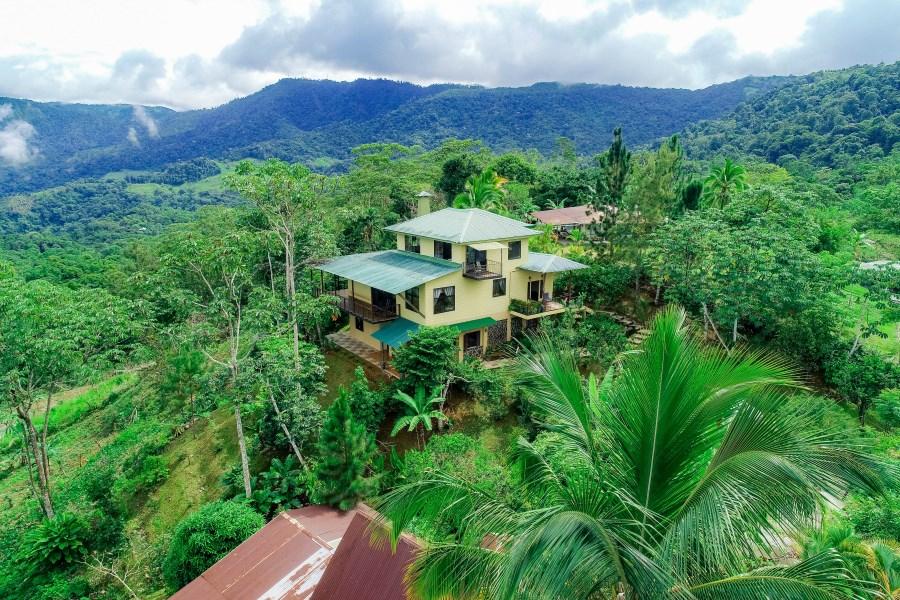 Remax real estate, Costa Rica, Tinamastes de Perez Zeledón , Bali Inspired , Custom Loft Home in Tinamastes.