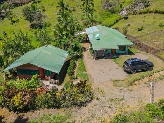 Remax real estate, Costa Rica, Drake, 1.3 acres titulados con cabina y casa en Bahía Drake.