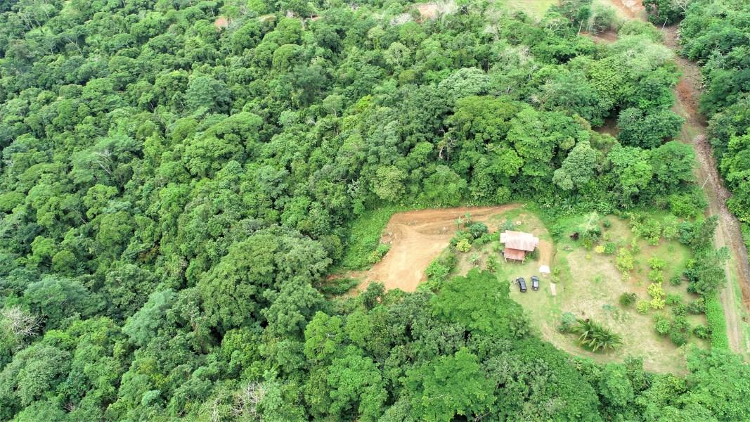 Remax real estate, Costa Rica, Tres Rios, Vista a la montaña, cabaña rústica y lugar secreto - 1.5 acres