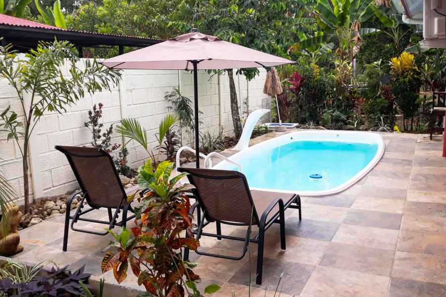 Remax real estate, Costa Rica, Quepos, Naranjito, Quepos: New 2 bedroom house with pool for sale