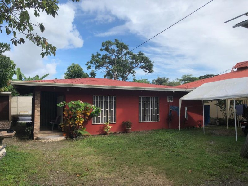 Remax real estate, Costa Rica, Paquera, Family house for sale in Paquita de Quepos. Negotiable price.