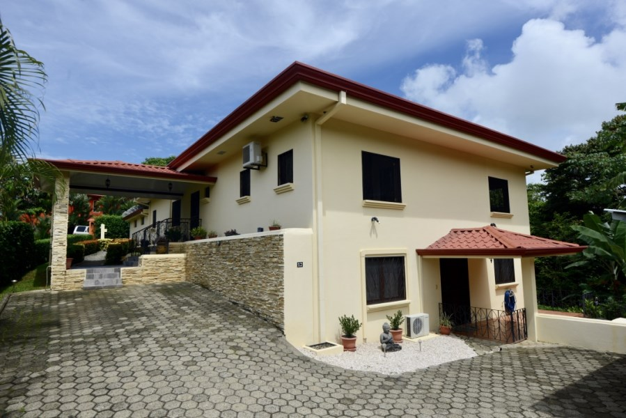 Remax real estate, Costa Rica, Manuel Antonio, Beautiful Spacious Home in Manuel Antonio For Sale