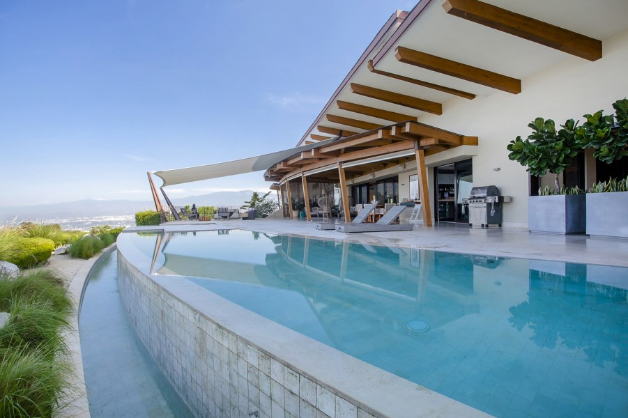 Remax real estate, Costa Rica, Santa Ana, Villa Real Shangri La J