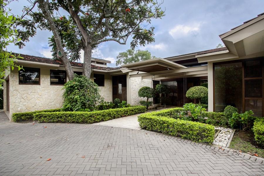 Remax real estate, Costa Rica, Santa Ana, La Hacienda Single Story Home J