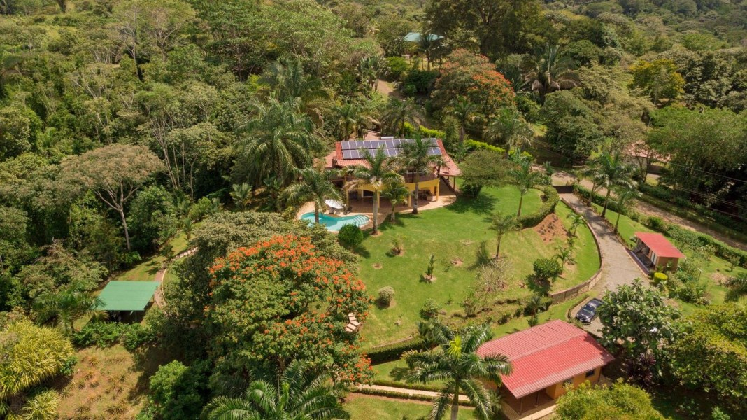Remax real estate, Costa Rica, Dominical, Ocean View Home, Cabinas, and Land in Ojochal J