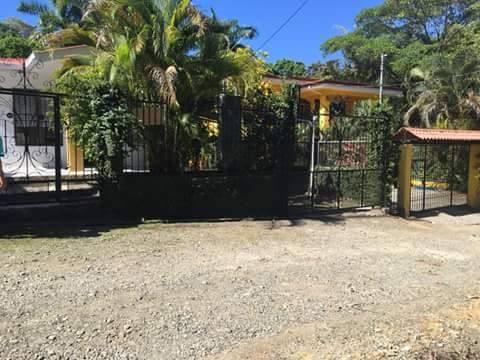 Remax real estate, Costa Rica, Manuel Antonio, For Sale house in Manuel Antonio - Residential dona Chila.