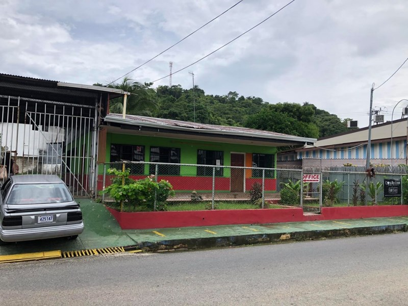 Remax real estate, Costa Rica, Puerto Quepos, FOR SALE COMMERCIAL HOUSE AND OFFICE