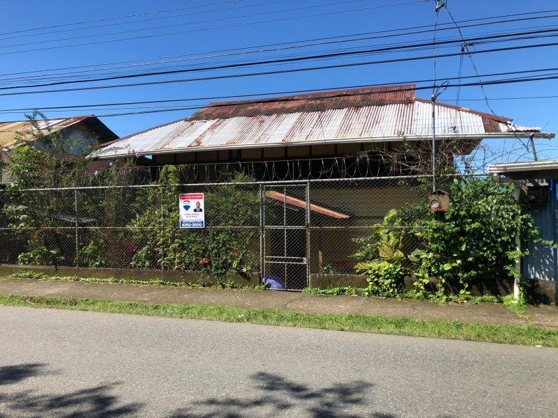 Remax real estate, Costa Rica, Quepos, MAIN ROAD TOWNHOUSE GREAT DEAL!