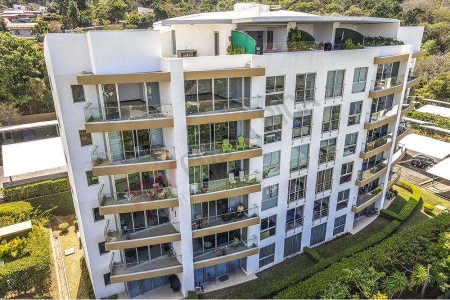 Remax real estate, Costa Rica, Escazú, 3 bedroom penthouse with private roof terrace