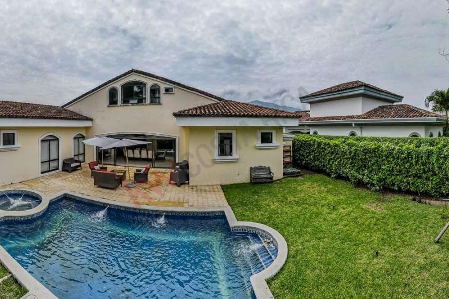 Remax real estate, Costa Rica, Santa Ana, SINGLE LEVEL HOUSE FOR SALE IN BOSQUES DE LINDORA