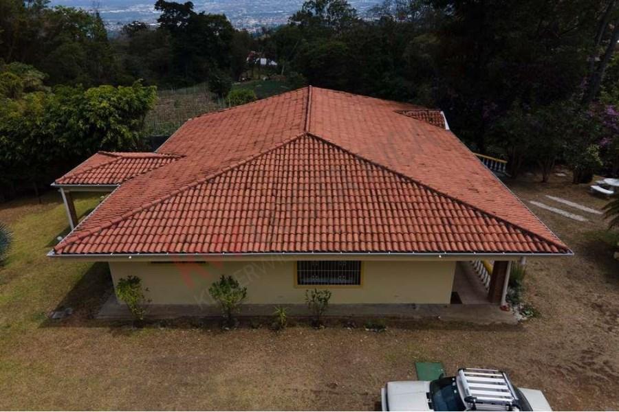 Remax real estate, Costa Rica, Escazú, 3717 m² PROPERTY FOR SALE WITH TWO HOUSES IN SAN ANTONIO DE ESCAZU
