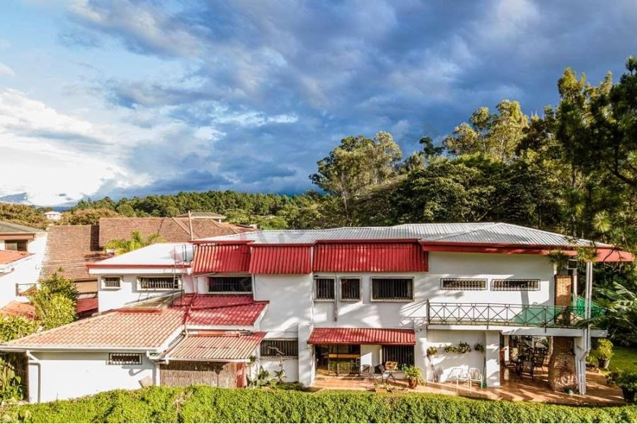 Remax real estate, Costa Rica, Heredia, CASA CONTEMPORANEA INDEPENDIENTE EN VENTA EN LOS ARCOS CARIARI, HEREDIA