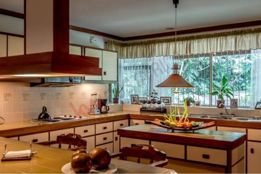 Remax real estate, Costa Rica, Heredia, Two Houses in Los Angeles, San Rafael de Heredia an Oasis of Peace
