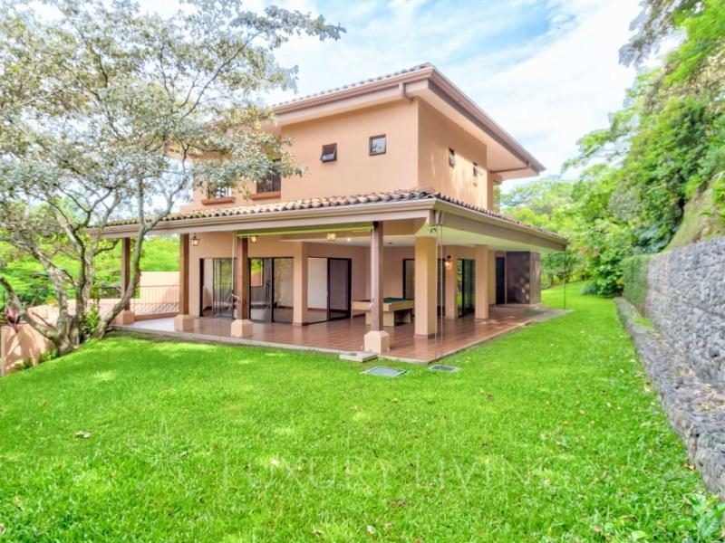 Remax real estate, Costa Rica, Santa Ana - Pozos, Casa Martina