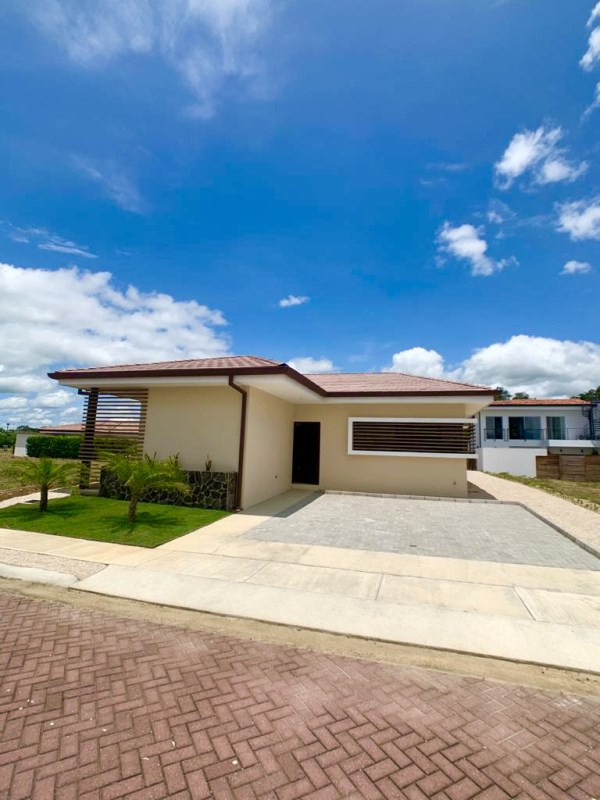 Remax real estate, Costa Rica, Liberia, Hermosa casa para estrenar