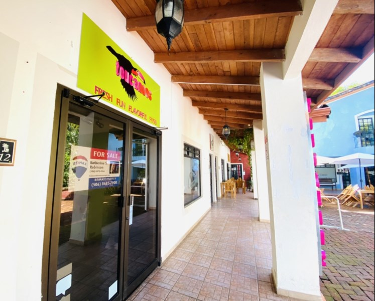 RE/MAX real estate, Costa Rica, Carrillo, CHARMING Restaurant in PRIME high traffic location FOR SALE